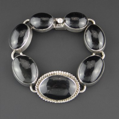 Coco and Benny 1980's Elegant Sterling Silver Onyx Cabochon Vintage Mexican Bracelet